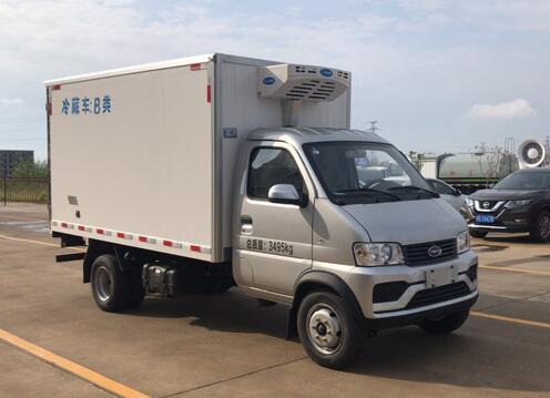 程力威牌CLW5030XLC6RL型冷藏车